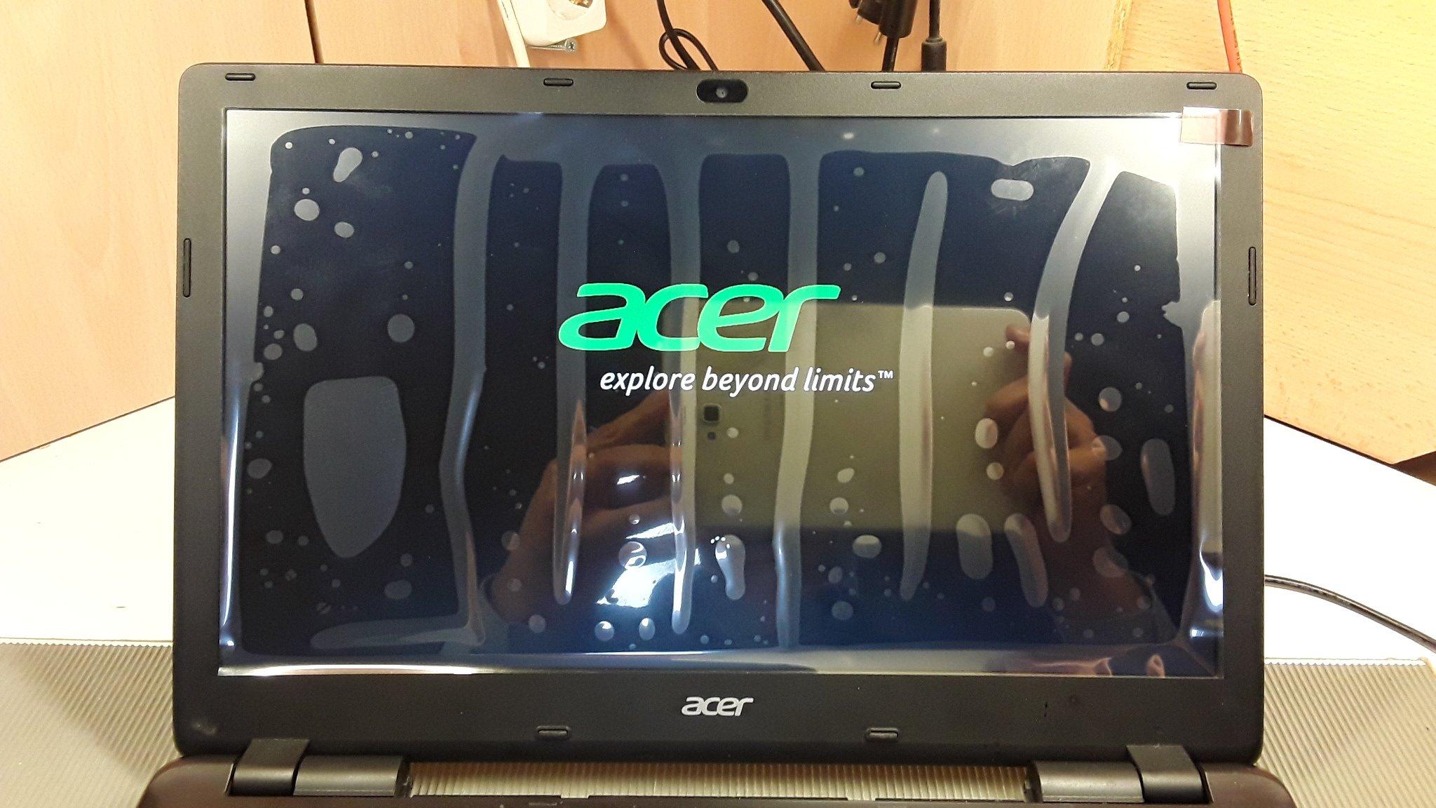 Aspire E15 Display mit Schutzfolie